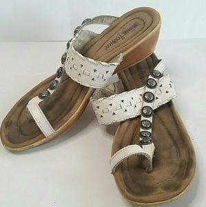 MINNETONKA White Leather Thong Sandals